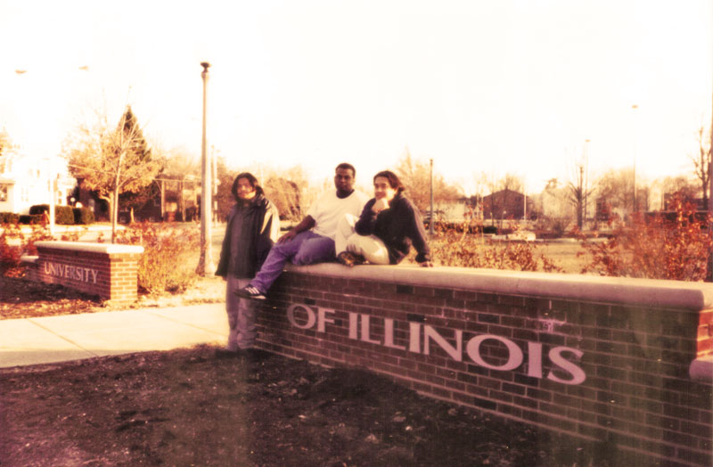 Budak Meja Belakang Pax Americana University of Illinois