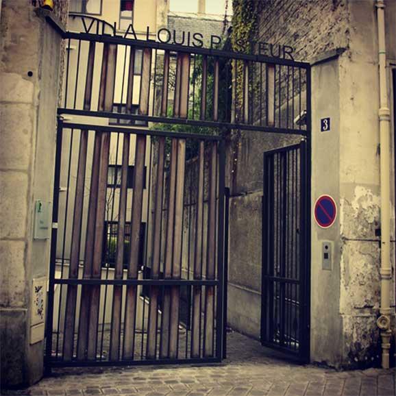 Villa Louis Pasteur Paris Buku Kuantum Shah Ibrahim