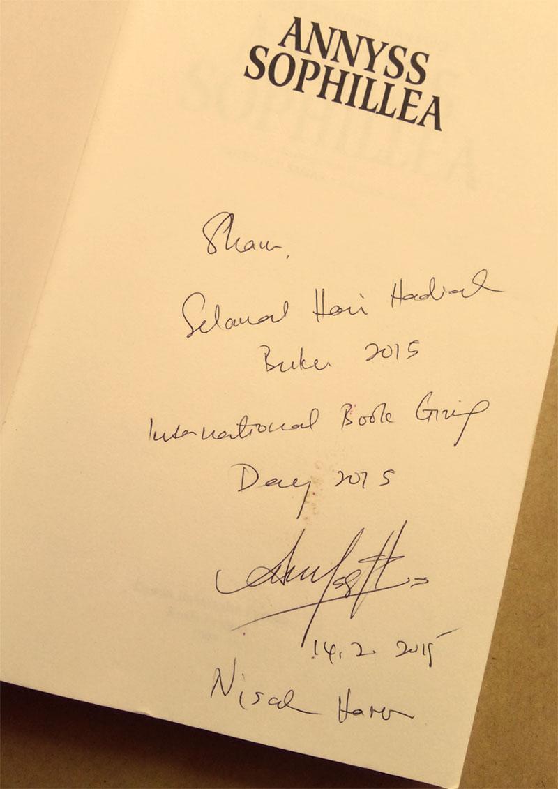 Autograf Nisah Haron Annyss Sophellia buat Shah Ibrahim TheMrFlowerman